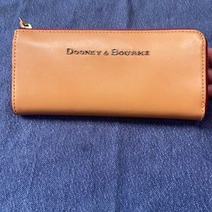 Dooney and Bourke tan leather wallet never used